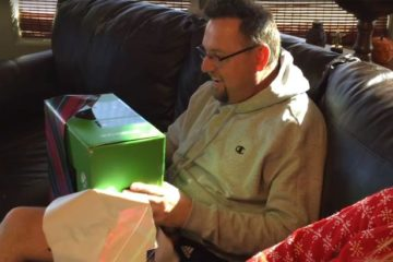 Son plays Xbox prank on Dad who tricked him 8 years earlier