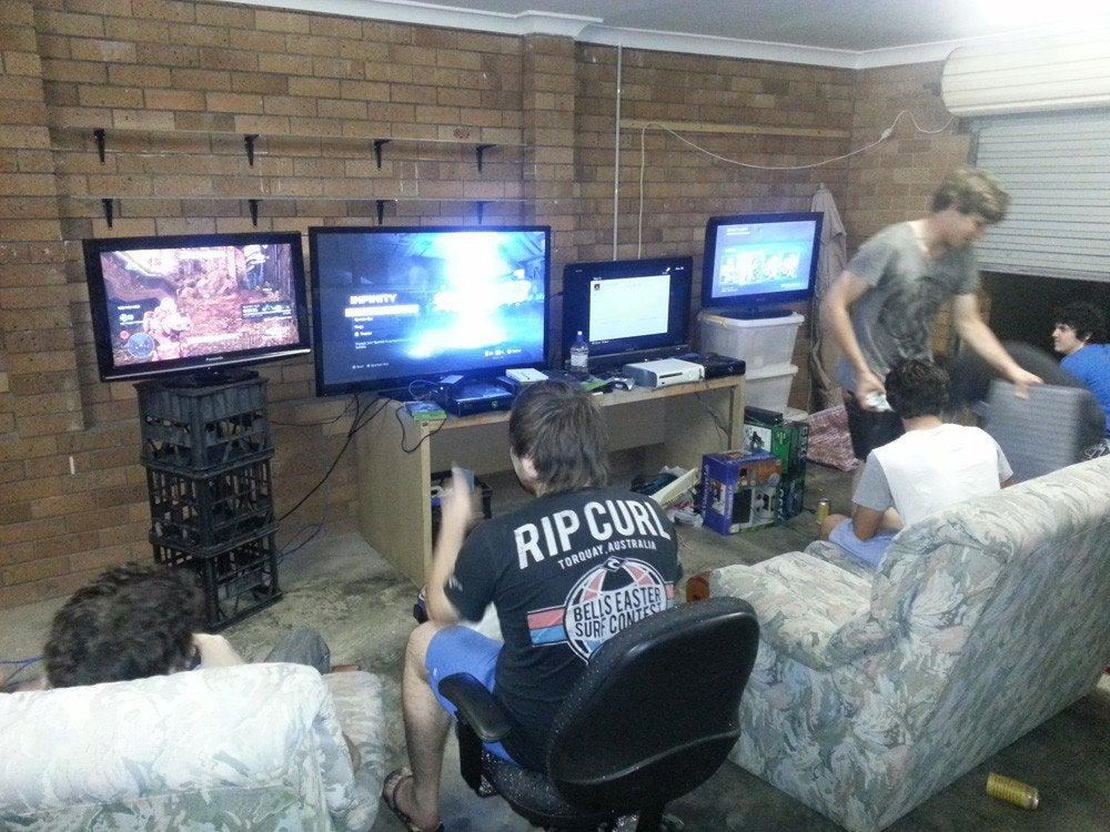 A Halo LAN Party